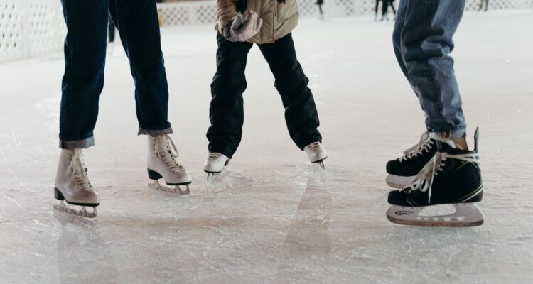 Synthetic Ice vs True Ice: Which is Better?